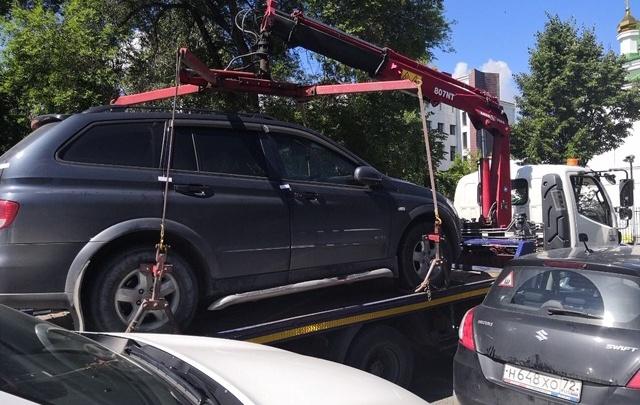 Тюменская ГИБДД объявила войну автохамам, которые занимают места для парковки машин инвалидов