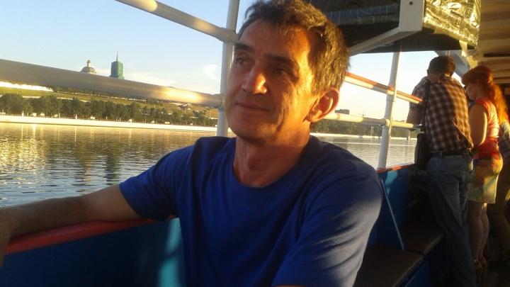 «Ситуация должна была быть разрешена в школе»: омбудсмен — об увольнении учителя Николая Углева