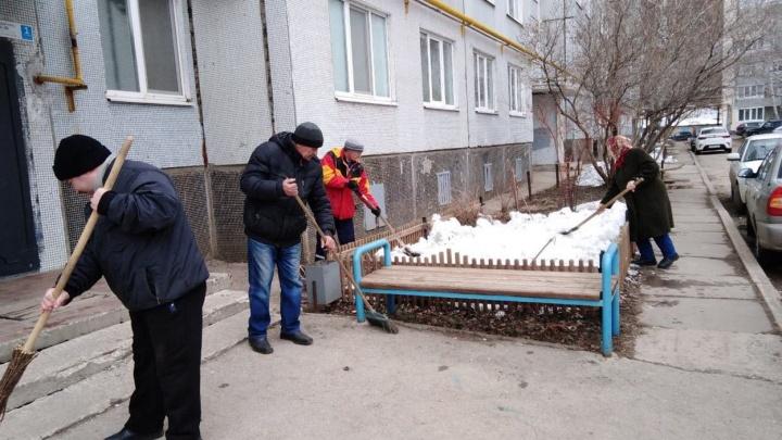 Чиновники убираются по средам: в Самаре стартовал месячник по благоустройству
