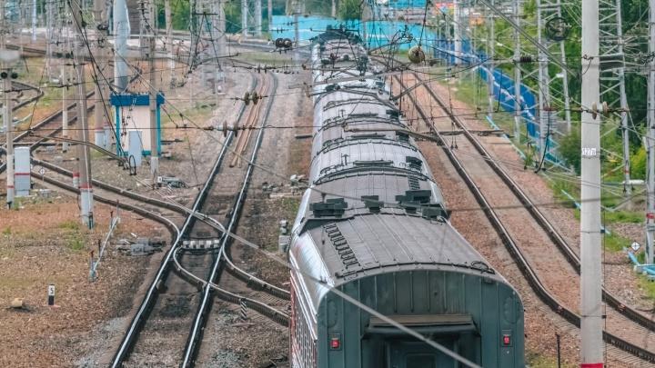 В Самарской области пьяный юноша попал под колёса поезда и лишился кисти