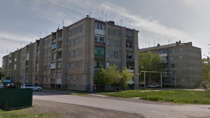 Следователи проверят семью под Челябинском, ребёнок которой выпал из окна