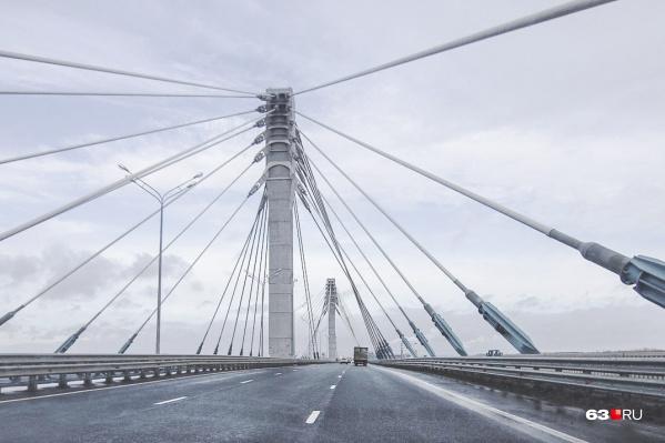 Дорогу у моста расширят до четырех полос движения