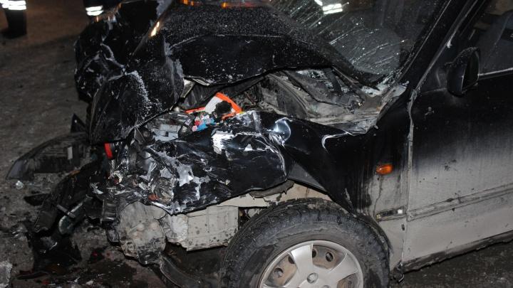 Столкнулись в лоб: в Челябинской области авария унесла жизни троих человек