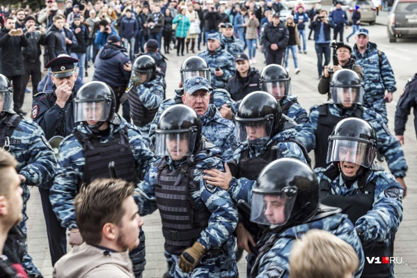 26 марта на улицы вышли 2000 волгоградцев, недовольных коррупцией среди чиновников