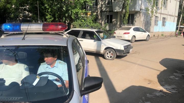 «Водитель, не стесняясь, пил пиво у багажника»: в Самаре поймали двух нетрезвых автомобилистов