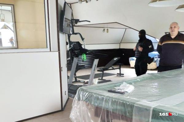 В доме у экс-министра Николая Безуглова силовики провели обыски