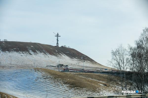 Крест установили в начале февраля