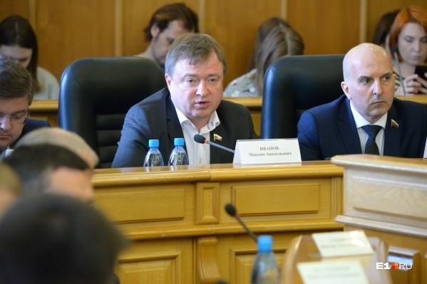 Максим Иванов считает, что оптимальный вариант сейчас — заморозить строительство храма