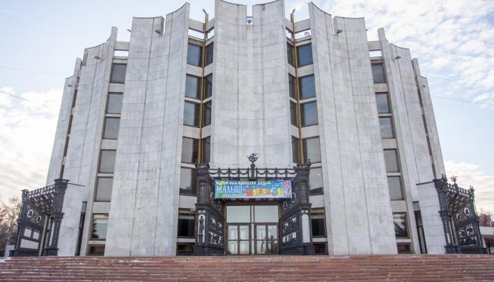 В центре Челябинска закроют парковку и ограничат движение ради светового шоу