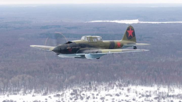 Видео: восстановленный новосибирцами штурмовик взлетел для съёмок кино