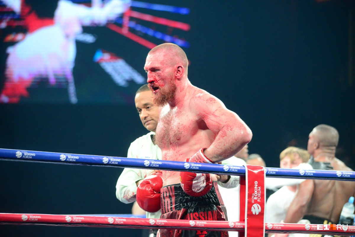 Кровь, боль и нокауты: боксерский форум в Екатеринбурге завершился зрелищными поединками