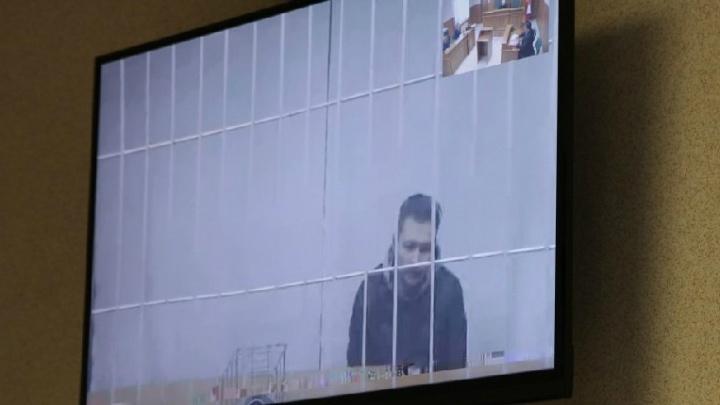 «Я готов сдать загранпаспорт»: суд рассмотрел просьбу Рината Бадаева выпустить его из СИЗО