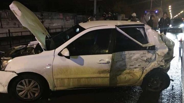 Четырёх омичек доставили в больницу после массовой аварии на Герцена