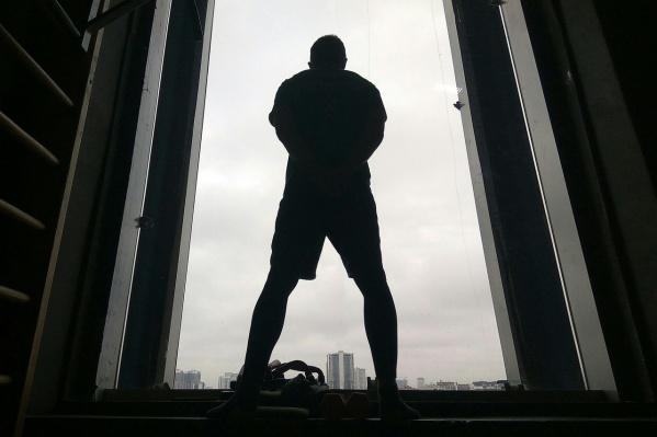 Владимир просидел на башне 9 часов