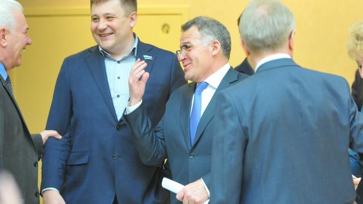 Онлайн-репортаж: областные депутаты отменили прямые выборы мэра Екатеринбурга