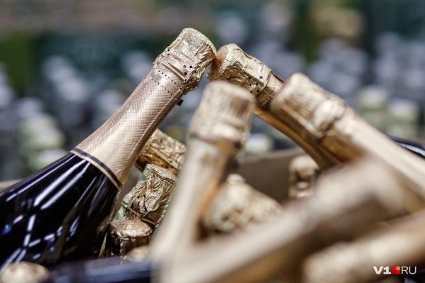 Безмерное употребление алкоголя приводит порой на корпоративах к криминальным историям