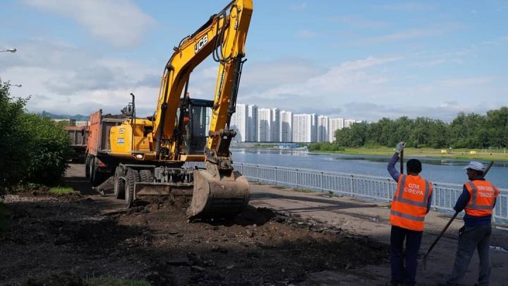 Началась реконструкция правобережной набережной от Предмостной площади до Гладкова