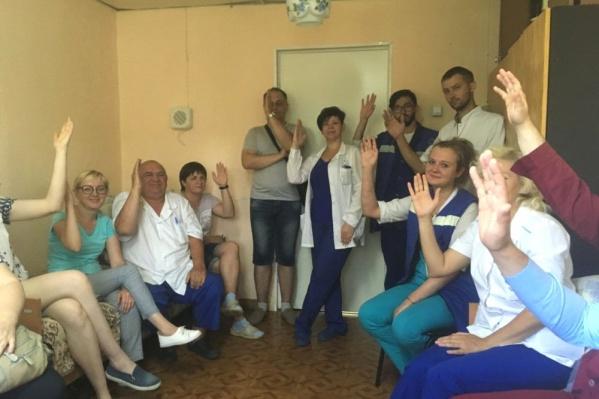 Медики голосуют за начало «итальянской забастовки», 6 июля 2019 года<br>