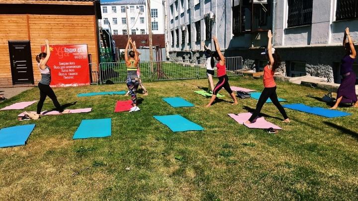 Присед с ведрами, йога на улице и марафон: какой спорт выбирают северяне