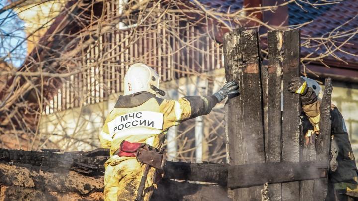 Неосторожное обращение с огнем: при пожаре в Ростовской области погиб пенсионер