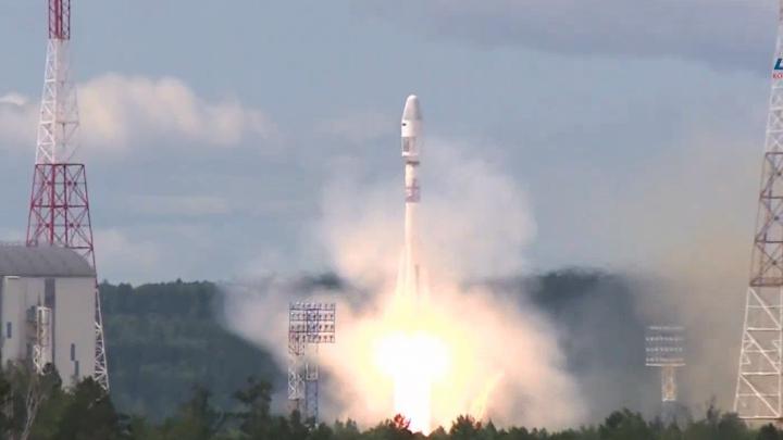 С космодрома Восточный запустили самарскую ракету с американскими и английскими спутниками