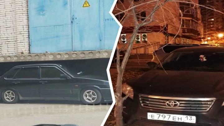 Автохамы в городе: бог параллельной парковки и зомби-пешеход