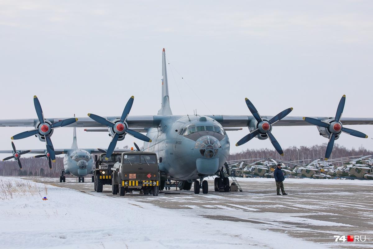Машины-амфибии ПЭМ-1 и ПЭМ-2 «Синяя птица» были созданы специально для поиска и эвакуации космонавтов