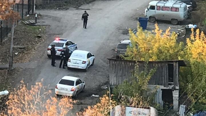 «С трудом стоял на ногах»: тюменские полицейские задержали пьяного водителя «Яндекс.Такси»