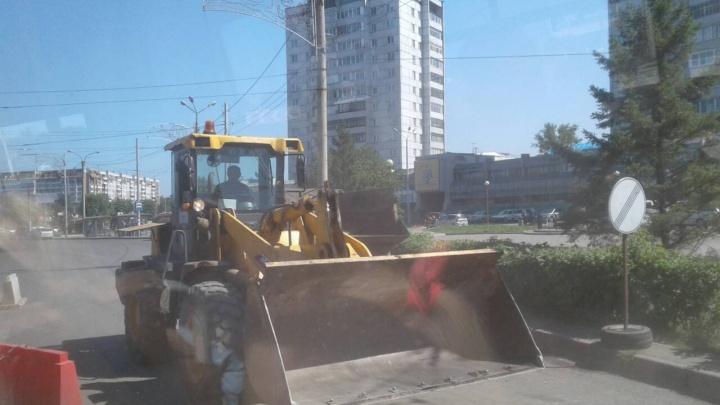 Дорожные работы: какие улицы стоит объезжать даже днем, чтобы не стоять в пробке