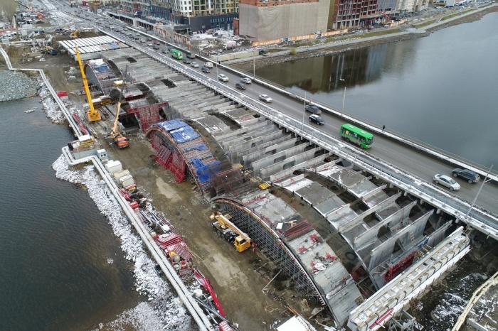 Три ряда арок для нового моста выглядят внушительно