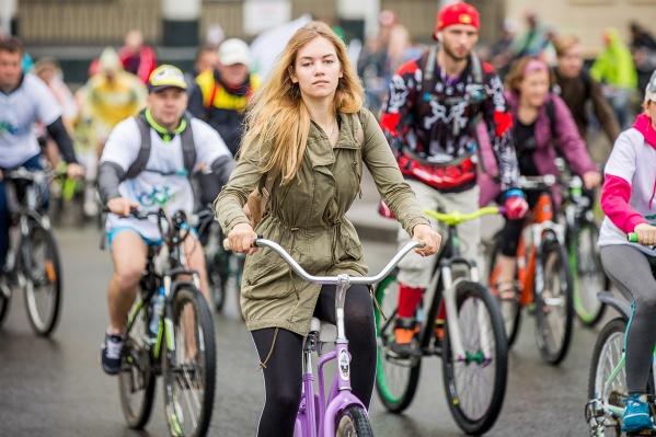 Стартовать и финишировать велосипедисты будут на площади Пименова у ГПНТБ