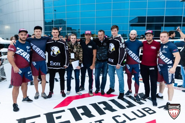 Ринг Ferrum Fight Club c командой профессиональных бойцов смешанных единоборств (ММА) оказался одной из самых зрелищных зон фестиваля Traktor Open