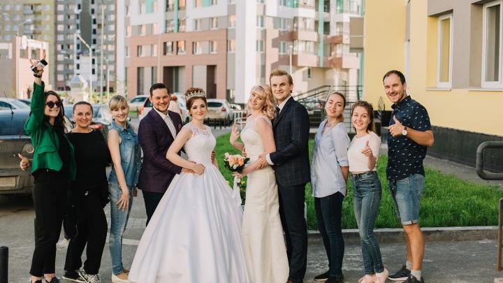 Как влюбляются уральцы: 5 пар рассказали свои истории в свадебном фотопроекте