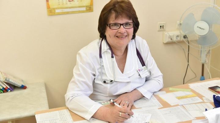45 лет в одной поликлинике: любимым педиатром города стала участковый врач 11-й детской больницы