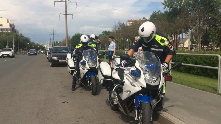 В Самаре инспекторы-байкеры ловили мотонарушителей
