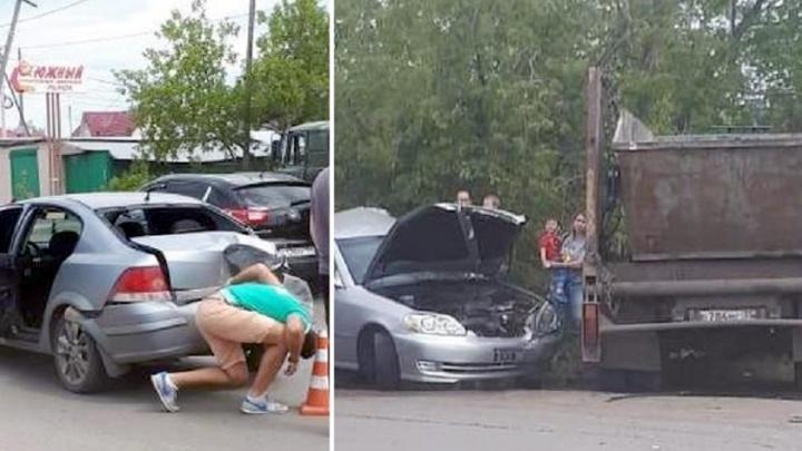 НаФрезерной водитель грузовика устроил массовое ДТП с участием пяти автомобилей