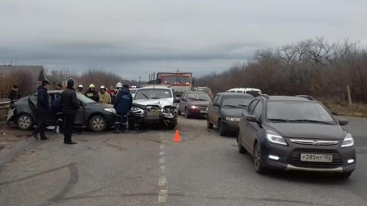 Четыре человека в больнице: на трассе в Башкирии крупная авария
