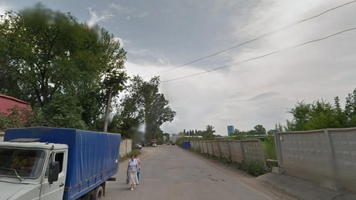 Водитель Hyundai Solaris сбил пьяную женщину на Заводском шоссе