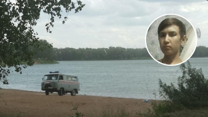 «Мы просили его спасти»: в Самаре на платном пляже утонул 16-летний мальчик