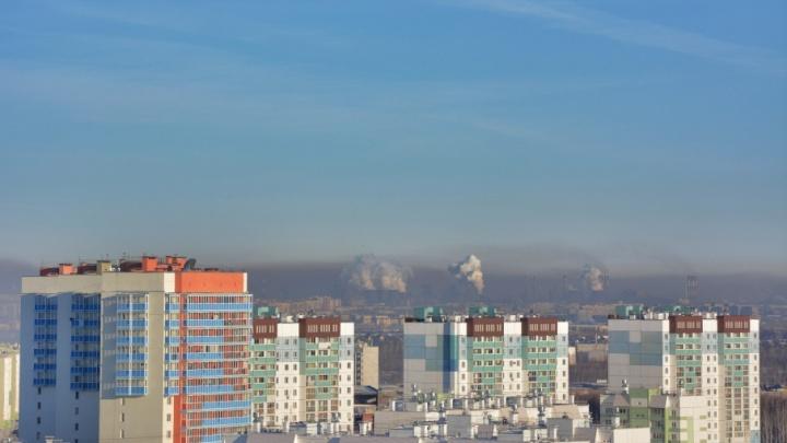 Дым и неприятный запах: челябинцы жалуются на выбросы предприятий