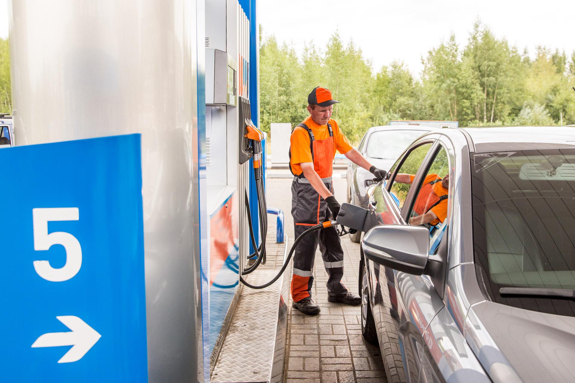 Цена на бензин не привязана к цене на нефть