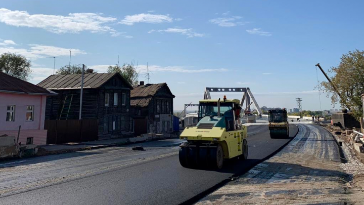 Без рельсов: в Самаре начали асфальтировать улицу Фрунзе