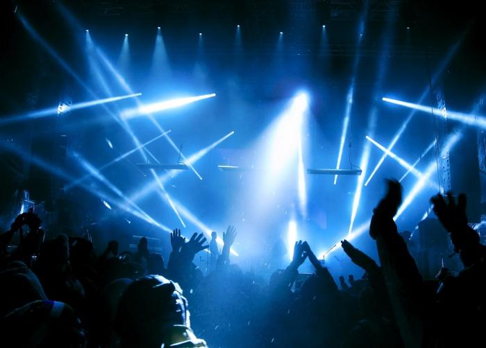 На концерт знаменитой певицы отправятся двое счастливчиков с Урала