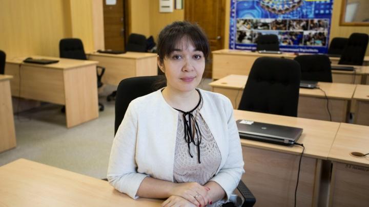 Лучшей учительнице Новосибирской области подарили 200 тысяч
