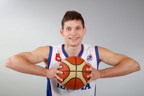 Иван Ухов родился в Соликамске и играл в«Парме» с момента ее основания