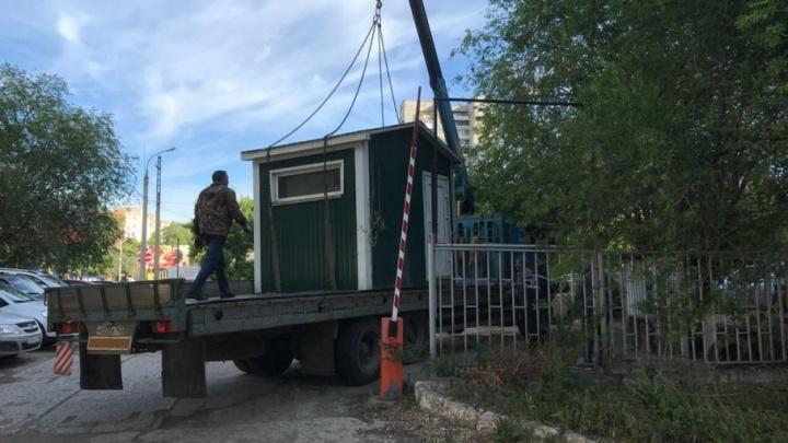 В Самаре во второй раз закрыли незаконную стоянку на Карла Маркса — Владимирской