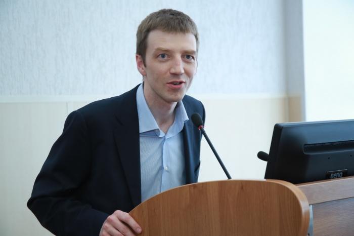 Денис Вешкурцев окончил УрГЭУ, а сейчас гендиректор «Сима-Ленда»