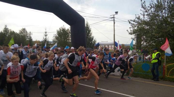 Больше 2 тысяч человек пробежали «Кросс наций» и испытали себя в экстремальном шоу на Татышеве