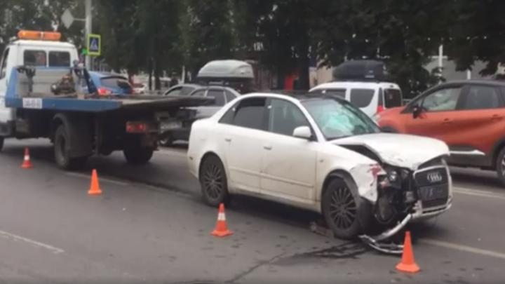 Пьяная, без прав, без ремня: появилась видеозапись утренней погони за Audi A4 в Уфе