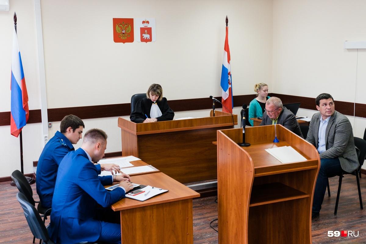 Суд рассматривал дело об избиении Глеба Кулакова уже второй раз
